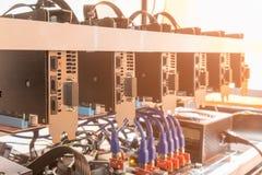 Υπόβαθρο & x28 Cryptocurrency μεταλλεία rig& x29 , Μεταλλεία ri Cryptocurrency Στοκ Εικόνες