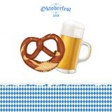 Υπόβαθρο Oktoberfest με pretzel και την μπύρα Στοκ Εικόνες