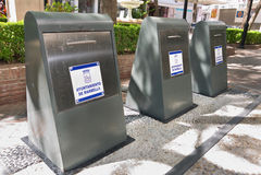Υπόγεια εμπορευματοκιβώτια απορριμάτων Στοκ φωτογραφία με δικαίωμα ελεύθερης χρήσης