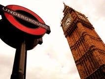 Υπόγεια σημάδι και Big Ben στοκ εικόνα
