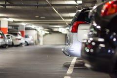 Υπόγειοι χώρος στάθμευσης/γκαράζ Στοκ εικόνα με δικαίωμα ελεύθερης χρήσης