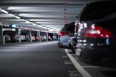 Υπόγειοι χώρος στάθμευσης/γκαράζ Στοκ Φωτογραφία