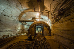 Υπόγειος θραυστήρας σαγονιών ορυχείων χρυσού Στοκ φωτογραφία με δικαίωμα ελεύθερης χρήσης