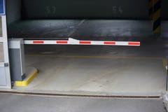 Υπόγειος χώρος στάθμευσης Στοκ Φωτογραφία