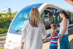 Υπόγειο τρένο και το πλήθος των επιβατών Στοκ Εικόνες