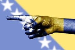 υπόδειξη της Ερζεγοβίνης σημαιών δάχτυλων της Βοσνίας Στοκ φωτογραφία με δικαίωμα ελεύθερης χρήσης