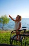 υπόδειξη του μικρού παιδ&io Στοκ Εικόνες
