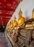 Υπόλοιπος κόσμος των αγαλμάτων του Βούδα στο ναό Wat Po Στοκ Φωτογραφίες