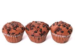 Υπόλοιπος κόσμος muffin τσιπ σοκολάτας των κέικ που απομονώνεται στο λευκό Στοκ εικόνες με δικαίωμα ελεύθερης χρήσης