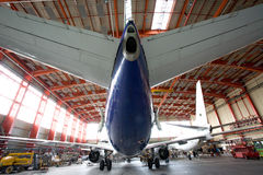 υπόστεγο αεροπλάνων σύγχρονο Στοκ Εικόνες