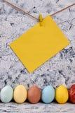 Υπόλοιπος κόσμος των χρωματισμένων αυγών κοτόπουλου Στοκ φωτογραφίες με δικαίωμα ελεύθερης χρήσης