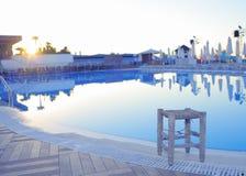 Υπόλοιπο στην κενή λίμνη ξενοδοχείων Στοκ Εικόνες