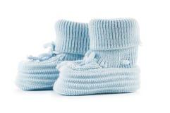 Υφαμένα παπούτσια μωρών που απομονώνονται στο λευκό Στοκ εικόνες με δικαίωμα ελεύθερης χρήσης