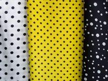 Υφαντικό ύφασμα διάφορης χρώματος Πόλκα σημείων Στοκ Φωτογραφίες