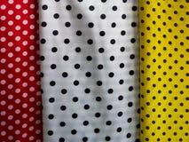 Υφαντικό ύφασμα διάφορης χρώματος Πόλκα σημείων Στοκ Εικόνες