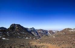 Υψηλά βουνά ατλάντων Περπατώντας ίχνος πεζοπορίας Στοκ εικόνα με δικαίωμα ελεύθερης χρήσης
