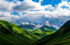 Υψηλά καυκάσια βουνά Στοκ φωτογραφίες με δικαίωμα ελεύθερης χρήσης
