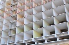 υψηλή άνοδος οικοδόμησης κτηρίου κάτω Στοκ φωτογραφία με δικαίωμα ελεύθερης χρήσης
