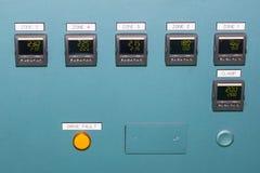 Υψηλή ακρίβεια πολλής επίδειξης συσκευών ελέγχου θερμοκρασίας στο πίνακα ελέγχου για βιομηχανικό στοκ φωτογραφία με δικαίωμα ελεύθερης χρήσης
