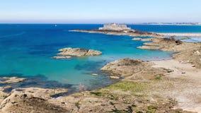 Υψηλή παλίρροια σε Άγιος-Malo, Γαλλία 3 ώρες σε 11 δευτερόλεπτα φιλμ μικρού μήκους