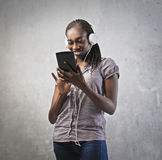υψηλή τεχνολογία κοριτσιών Στοκ φωτογραφίες με δικαίωμα ελεύθερης χρήσης