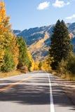 Υψηλός δρόμος το φθινόπωρο του Κολοράντο Στοκ Φωτογραφίες