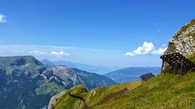 Υψηλότερη άποψη στα ελβετικά όρη στοκ εικόνα