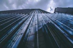 Υψηλό εμπορικό κτήριο ανόδου στοκ εικόνα
