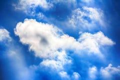 Υψηλό σύννεφο, σύννεφα altocumulus Στοκ φωτογραφία με δικαίωμα ελεύθερης χρήσης