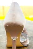 Υψηλά τακούνι Stilletto και γαμήλιο δαχτυλίδι στοκ φωτογραφία με δικαίωμα ελεύθερης χρήσης