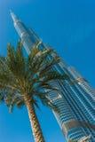 Υψηλές κτήρια και οδοί ανόδου στο Ντουμπάι, Ε.Α.Ε. Στοκ Φωτογραφία