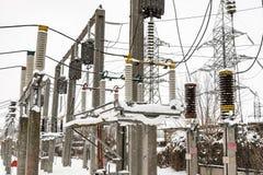 Υψηλής τάσεως ηλεκτρικός υποσταθμός Στοκ Εικόνες