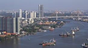 Υψηλή άποψη γωνίας 3 μεγάλων φορτηγών πλοίων στοκ φωτογραφίες