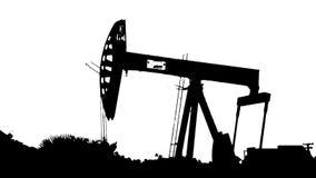 Υψηλή σκιαγραφία αντίθεσης της πλατφόρμας άντλησης πετρελαίου και της διάβασης των αυτοκινήτων απεικόνιση αποθεμάτων