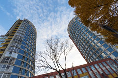 υψηλή σύγχρονη άνοδος κτηρίου διαμερισμάτων Στοκ Εικόνες