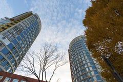 υψηλή σύγχρονη άνοδος κτηρίου διαμερισμάτων Στοκ φωτογραφία με δικαίωμα ελεύθερης χρήσης