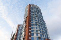 υψηλή σύγχρονη άνοδος κτηρίου διαμερισμάτων Στοκ Εικόνα