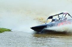 Υψηλή ταχύτητα αγώνα λέμβων ταχύτητας αγώνα Jetsprint jetboat που τελειώνει Στοκ Εικόνες