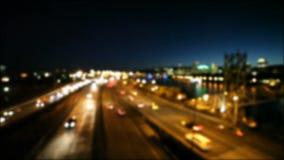 Υψηλός καθορισμός 1080p από τον κινηματογράφο εστίασης να κινήσει την κυκλοφορία αυτοκινητόδρομων στο στο κέντρο της πόλης Πόρτλα απόθεμα βίντεο