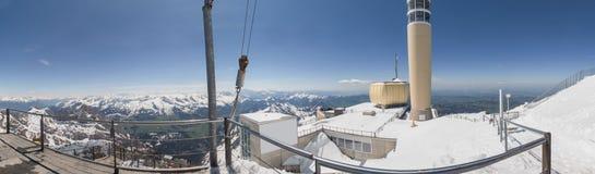 υψηλό πανόραμα καθορισμού της Ελβετίας σταθμών βουνών saentis Στοκ εικόνες με δικαίωμα ελεύθερης χρήσης