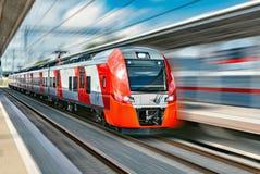 υψηλό σύγχρονο τραίνο ταχύ&ta Στοκ Φωτογραφία