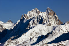 Υψηλό τοπίο βουνών αντίθεσης Στοκ Εικόνες