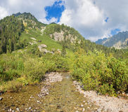 Υψηλό Tatras - τα valles πέρα από τη λίμνη Popradske Pleso Στοκ εικόνα με δικαίωμα ελεύθερης χρήσης