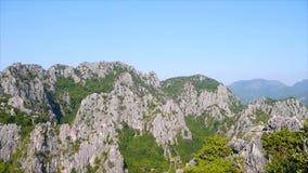 Υψηλό veiw του βουνού και του ουρανού από το σημείο άποψης Khao Dang φιλμ μικρού μήκους