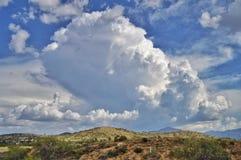 Υψωμένος σύννεφα θερινής καταιγίδας Στοκ Φωτογραφίες