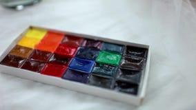 Υλικά τέχνης watercolor ` Λένινγκραντ ` χρωμάτων στον πίνακα Χρώμα για τη ζωγραφική των αυγών Πάσχας φιλμ μικρού μήκους