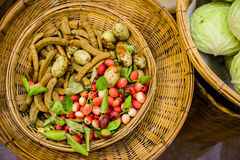 Υλικά τρόφιμα στην παλαιά αγορά Ταϊλάνδη Στοκ φωτογραφία με δικαίωμα ελεύθερης χρήσης