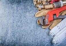 Υλικό υδραυλικών ορείχαλκου κατασκευαστικών σχεδίων γαλλικών κλειδιών σωλήνων protec Στοκ εικόνες με δικαίωμα ελεύθερης χρήσης