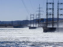 Υδροηλεκτρική ενέργεια stationReset του νερού στο σταθμό υδροηλεκτρικής ενέργειας Στοκ Εικόνα