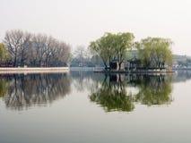 Υδρονέφωση πρωινού πέρα από τη λίμνη Sicha στο παλαιό Πεκίνο Στοκ φωτογραφίες με δικαίωμα ελεύθερης χρήσης